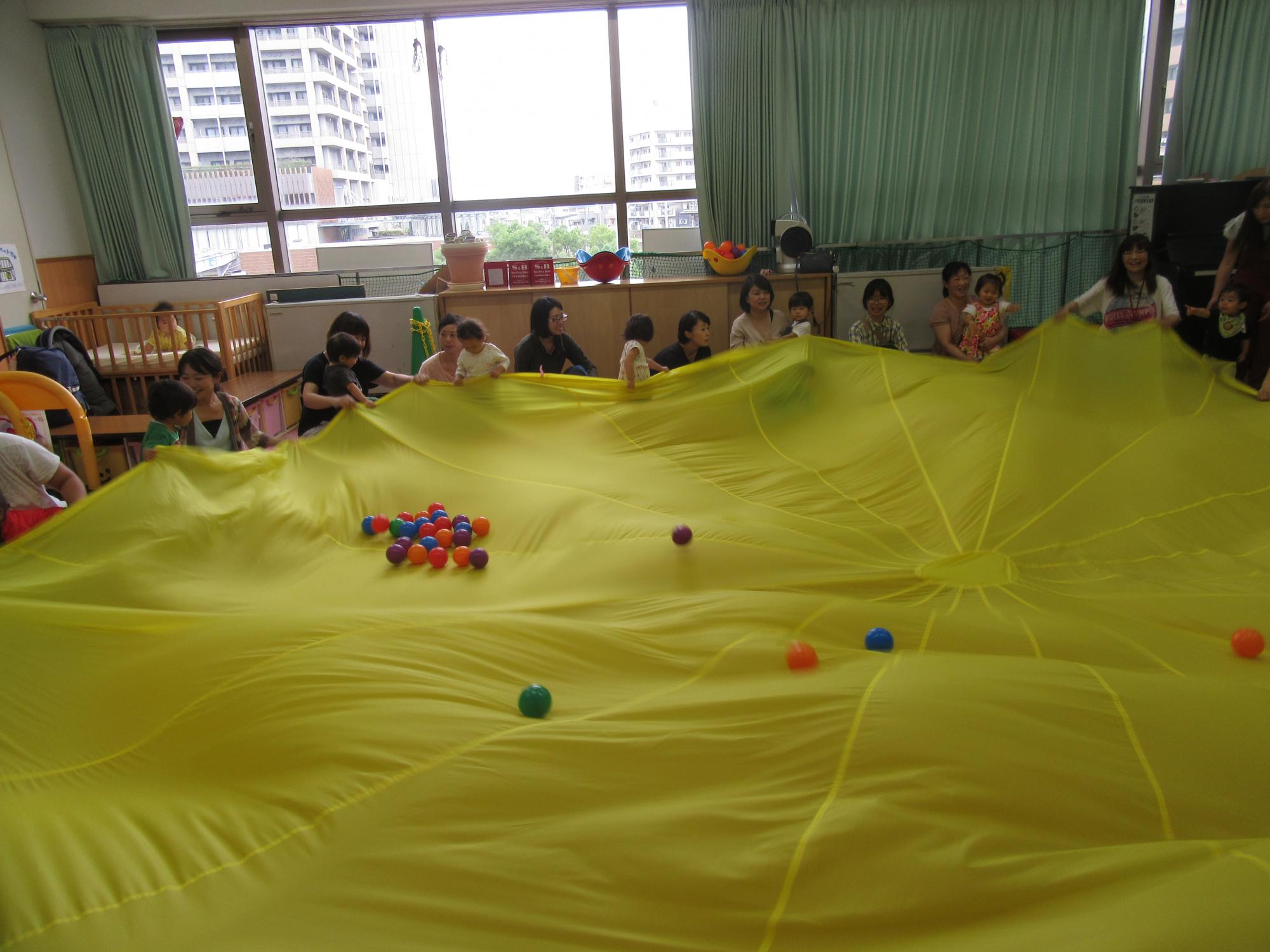 神戸市立六甲道児童館「今月のそよかぜひろば」