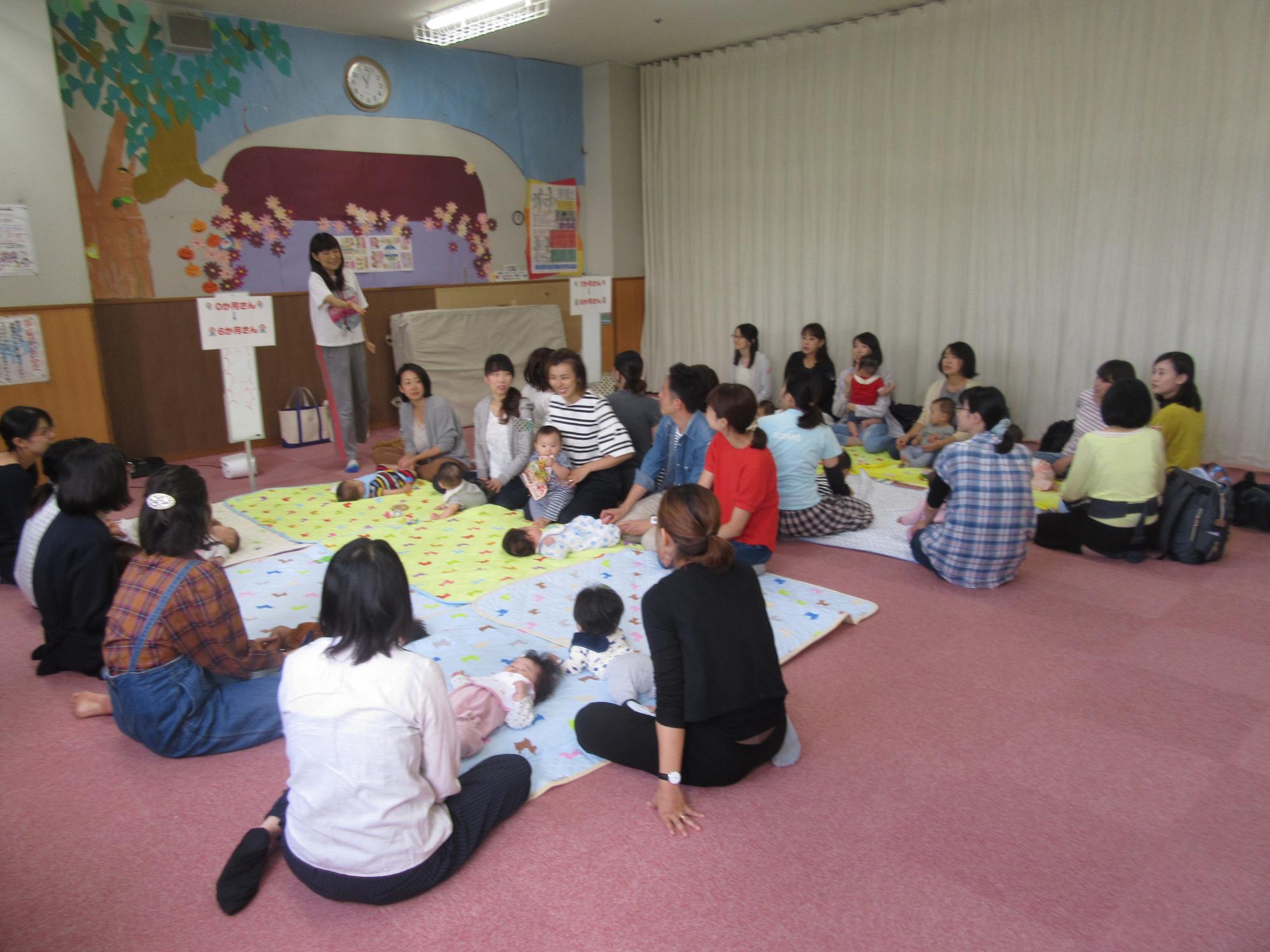神戸市立六甲道児童館「赤ちゃんのお部屋」(0~8か月程度)