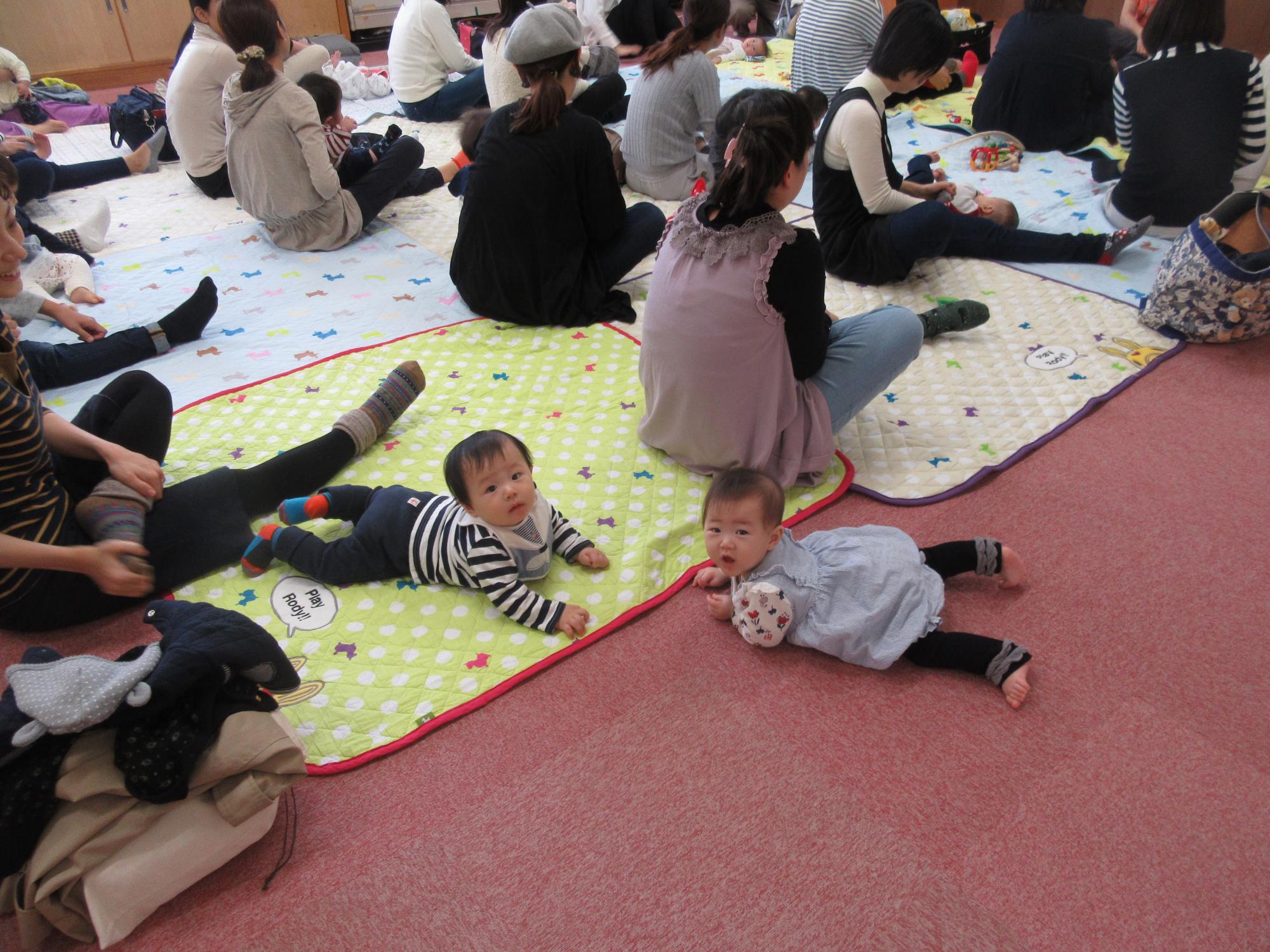 神戸市立六甲道児童館「ママのヨガ体操」