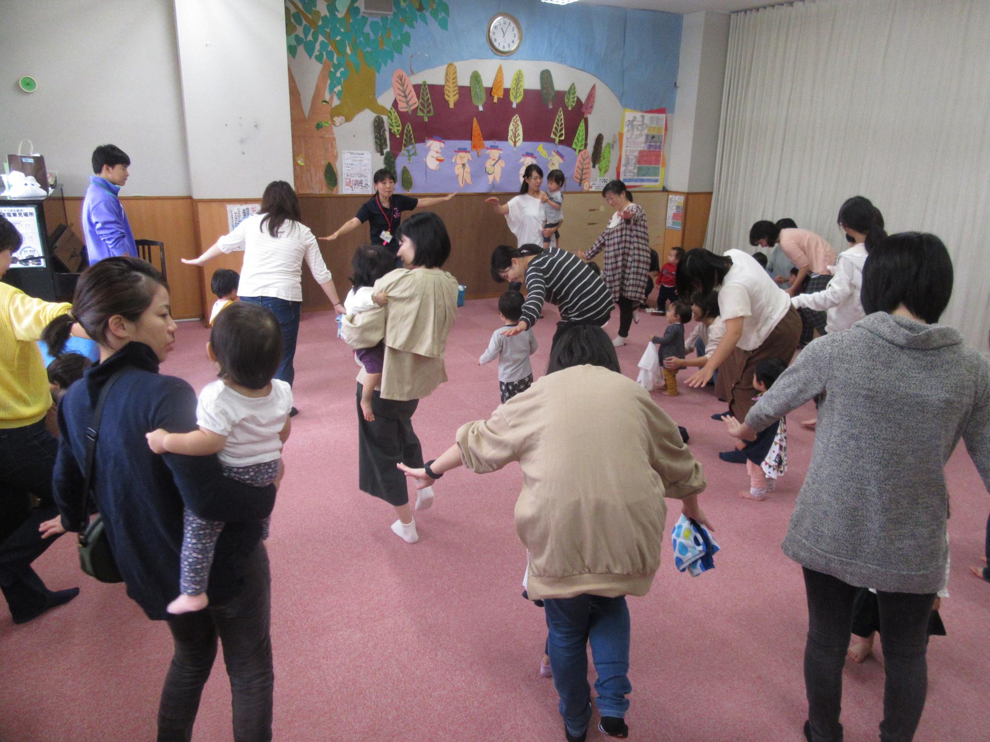 神戸市立六甲道児童館「そよかぜひろば(1歳児さん向けですが誰でも参加OK!)」