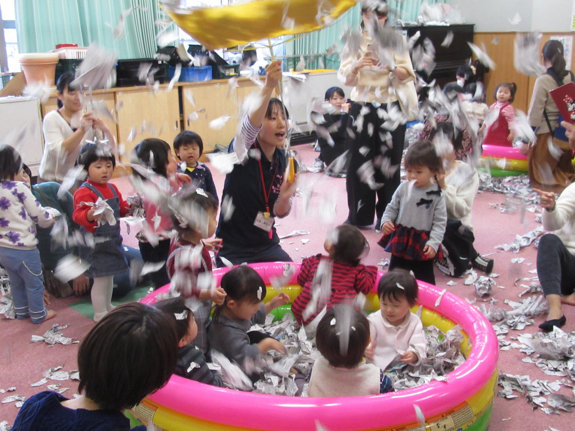神戸市立六甲道児童館12月の「そよかぜひろば」