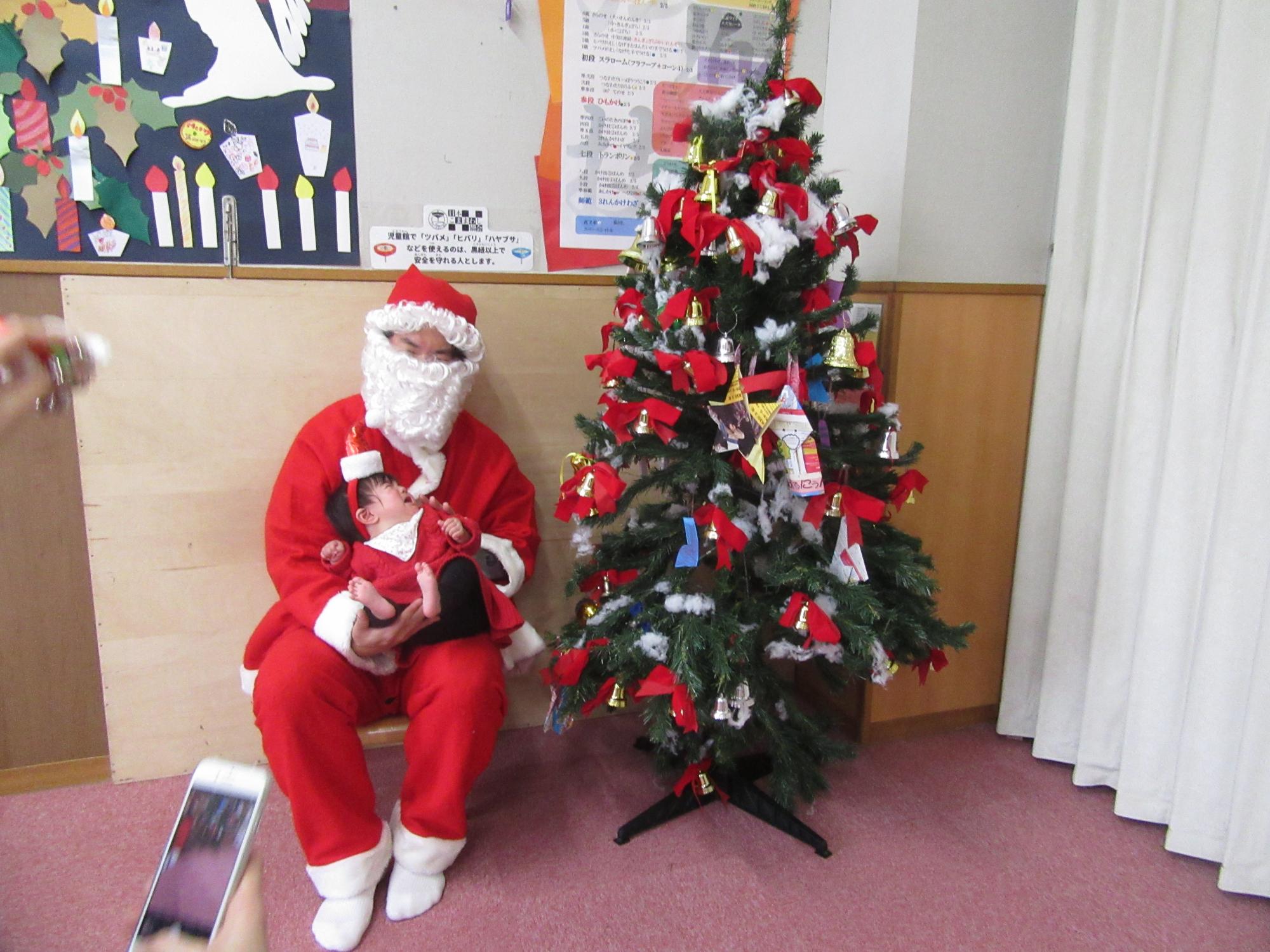 神戸市立六甲道児童館「赤ちゃんクリスマス会」